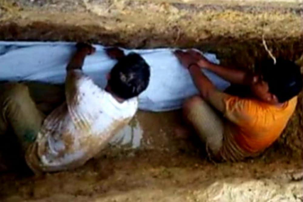 Tiga Tahun Dikebumikan, Jenazah Kiai di Sampang Utuh Tanpa Bau