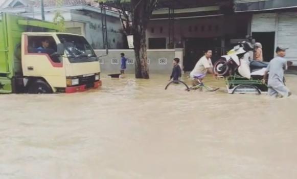 Diguyur Hujan Deras, Blega Banjir Lagi !