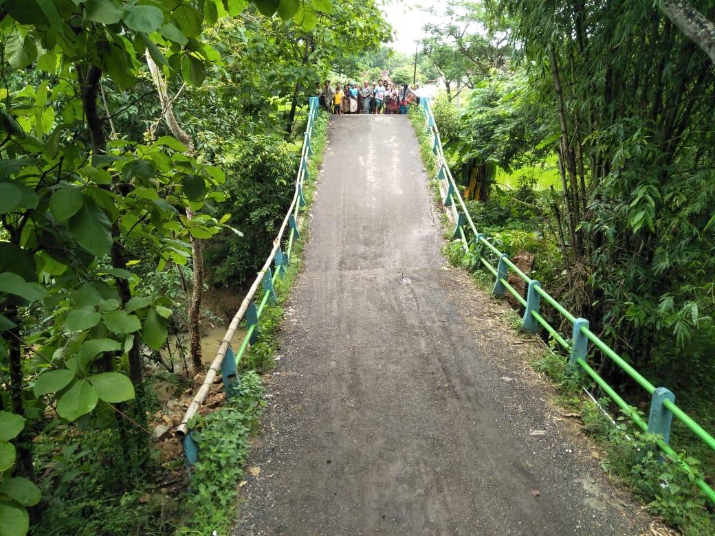 Termakan Usia, Jembatan Penghubung Tambelangan - Banyuates Ambruk