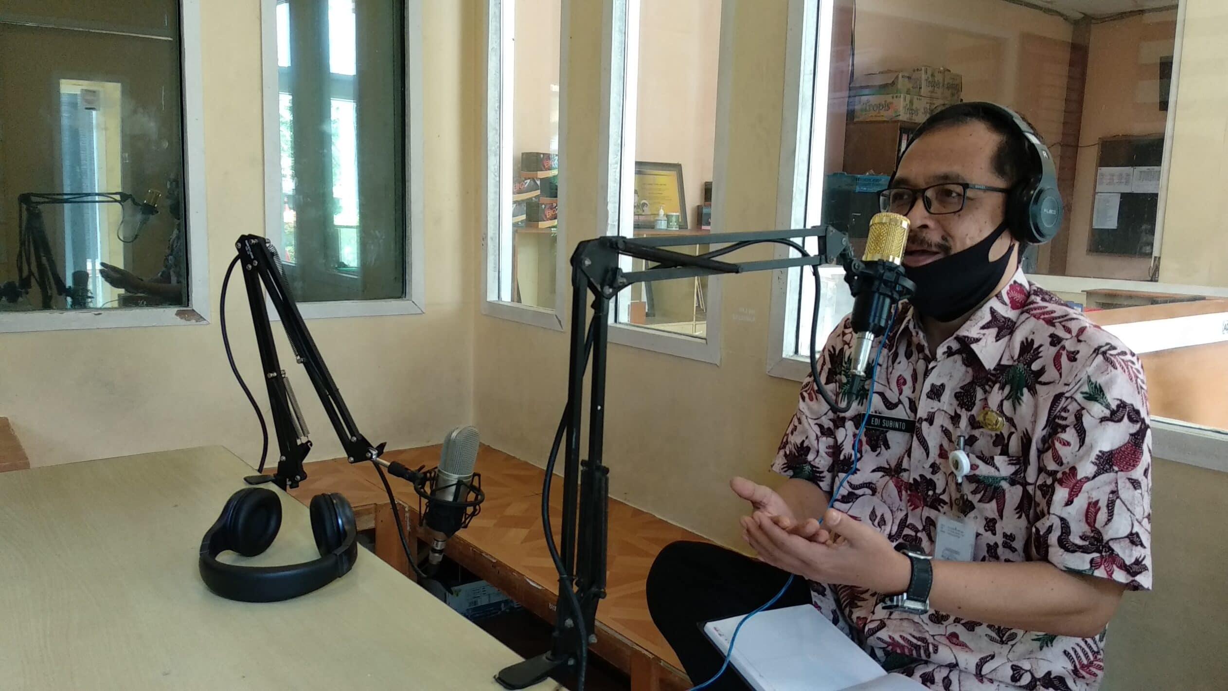 Dispendukcapil Sampang Edukasi Masyarakat Seputar KK - Salsabila FM