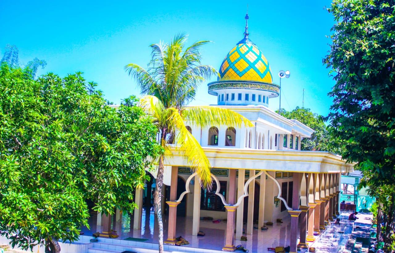 Masjid Peninggalan Waliyullah Syaikhona Kholil di Sampang