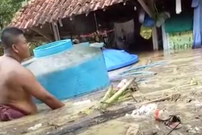 Viral Vidio Robatal Sampang Direndam Banjir, Berikut Penjelasannya !