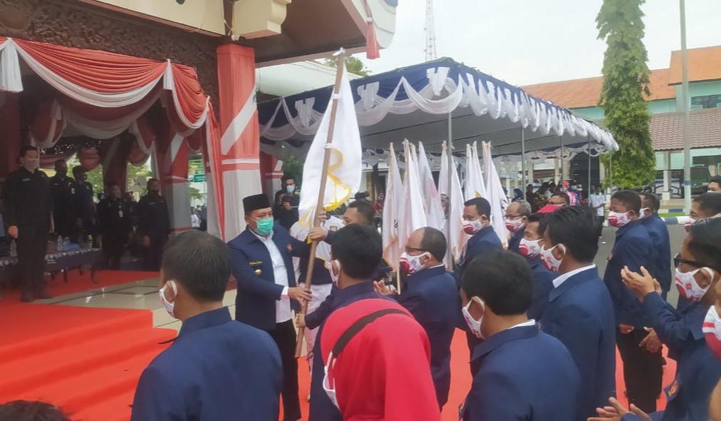 """Pengurus KONI Sampang Dikukuhkan, Bupati Sampang : """"Jangan Ada Miskomunikasi"""""""