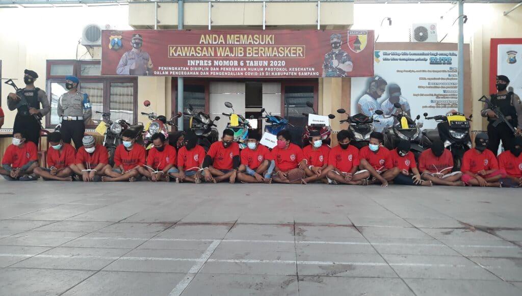 Satreskrim Polres Sampang Tangkap 9 Pelaku Curanmor - Salsabila FM