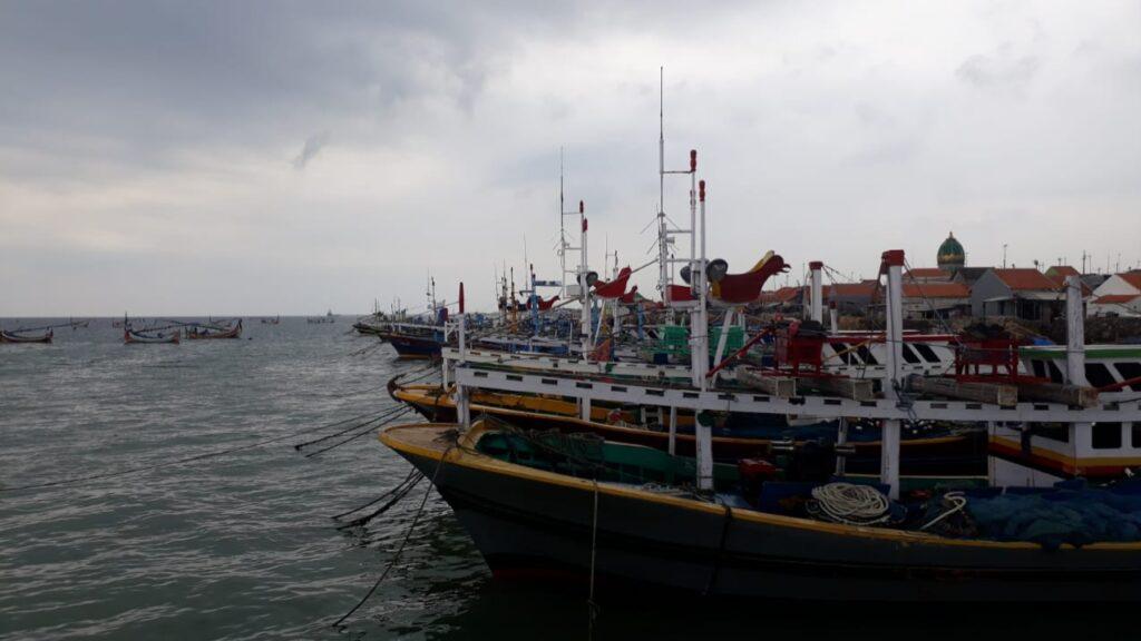 Demi Memenuhi Kebutuhan, Nelayan Sampang Nekat Melaut Meski Cuaca Buruk
