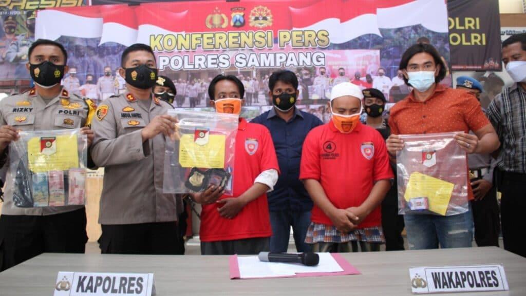 Polres Sampang Tetapkan 2 Tersangka Oknum LSM Pemeras Pelaksana Pokmas