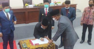 Berikan Jaminan Pada Petani, DPRD Sampang Sahkan Raperda Inisiatif