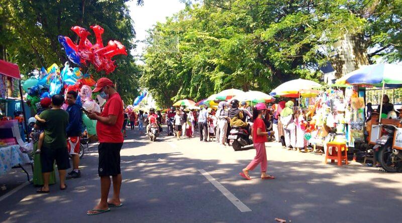 Belum Ada Izin Car Free Day, Jalan Wijaya Kusuma Sudah Ramai Kerumunan Warga
