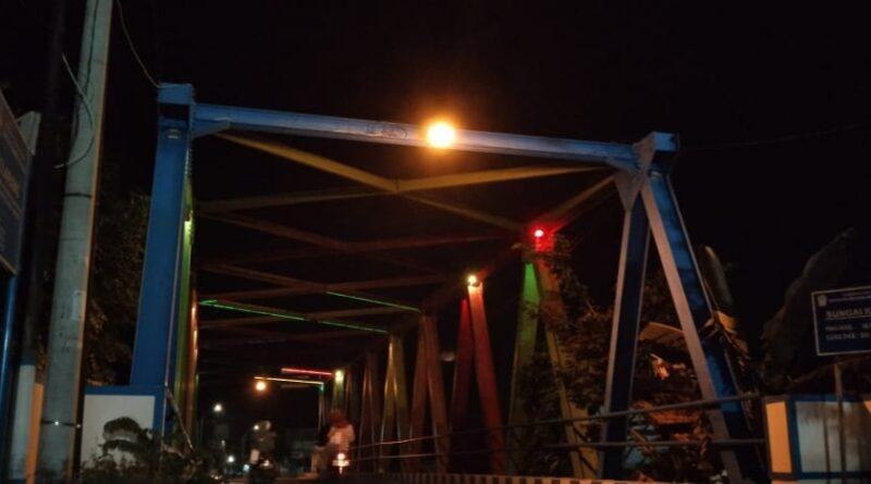 Padam Sejak 2020, Lampu Hias Jembatan Jalan Makboel Hingga Kini Belum Menyala