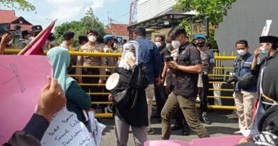 Dinilai Lamban Tangani Kasus Pencabulan Anak, Polres Sampang Digeruduk Massa