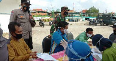 Disangka Swab, Penumpang Pelabuhan Tangklok Sampang, Banyak Yang Kabur di Vaksin