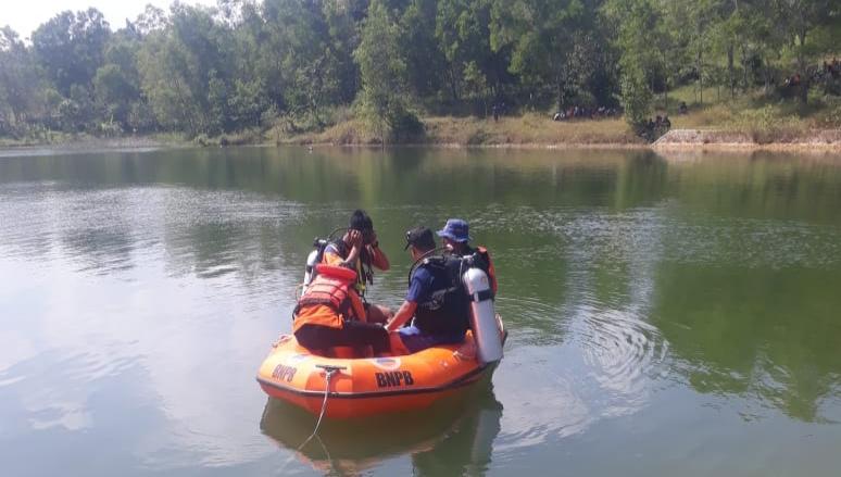 Belum Ditemukan, Seorang Pemuda Dikabarkan Tenggelam di Embung Pandiyangan Sampang