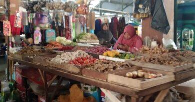 Imbas PPKM dan Cuaca Buruk, Harga Bahan Pokok Naik di Pasar Tradisional Sampang