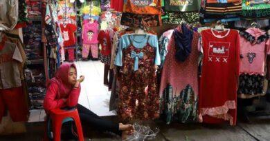 Pedagang Pasar Srimangunan Sampang Kompak Berharap Stop PPKM Darurat