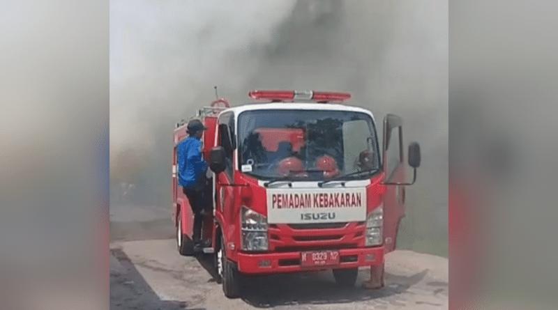 Diduga Akibat Putung Rokok, Sebanyak 3 Lahan Warga Ketapang Terbakar