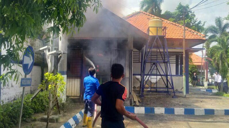 Akibat Korsleting, Genset Kantor Pemkab Sampang Terbakar