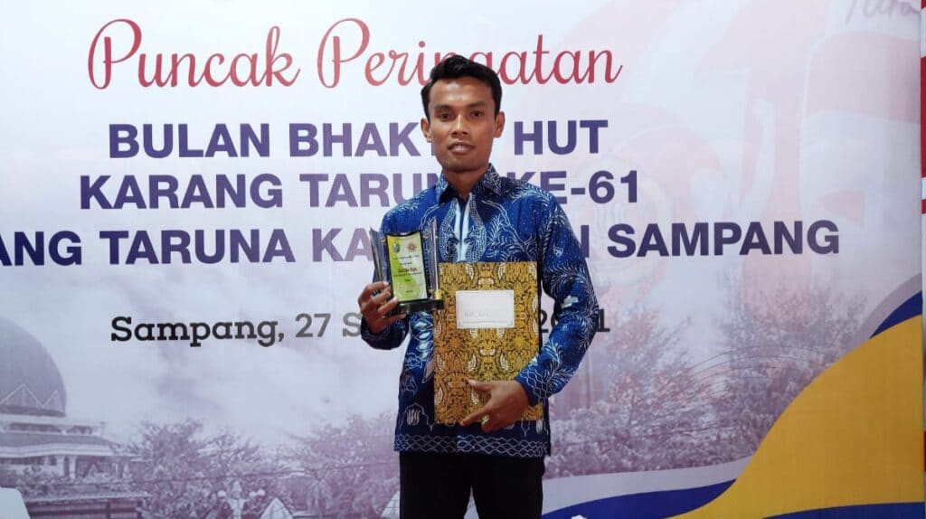 Moh. Ru'i Arifin Dinobatkan Sebagai Ketua Karang Taruna Kecamatan Tebaik 2021